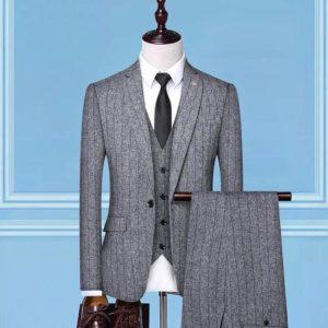 Costume haut de gamme rayé pas cher